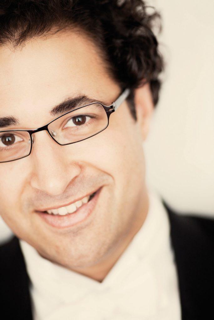 Rencontre / Léo Hussain, Directeur musical de l'Opéra de Rouen