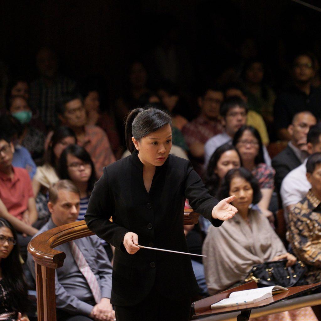 [Portrait de cheffe d'orchestre ] Rebecca Tong